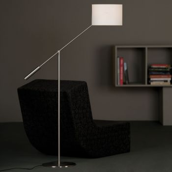 Libra, lámpara de pie metálica con un brazo oscilante