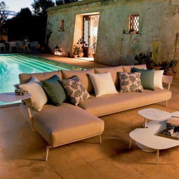 Aikana, sofá-chaiselongue que te permitirá aprovechar al máximo el espacio de tu terraza o jardín