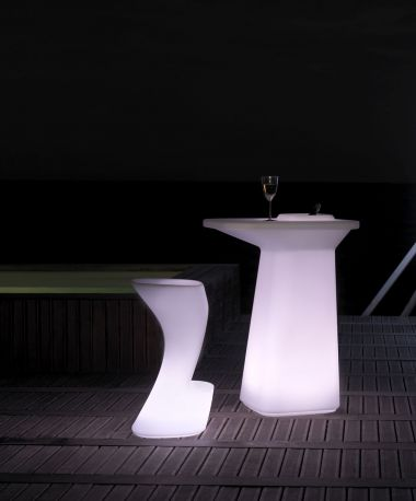 Macetamesa High por Javier Mariscal para VONDOM con iluminación interior