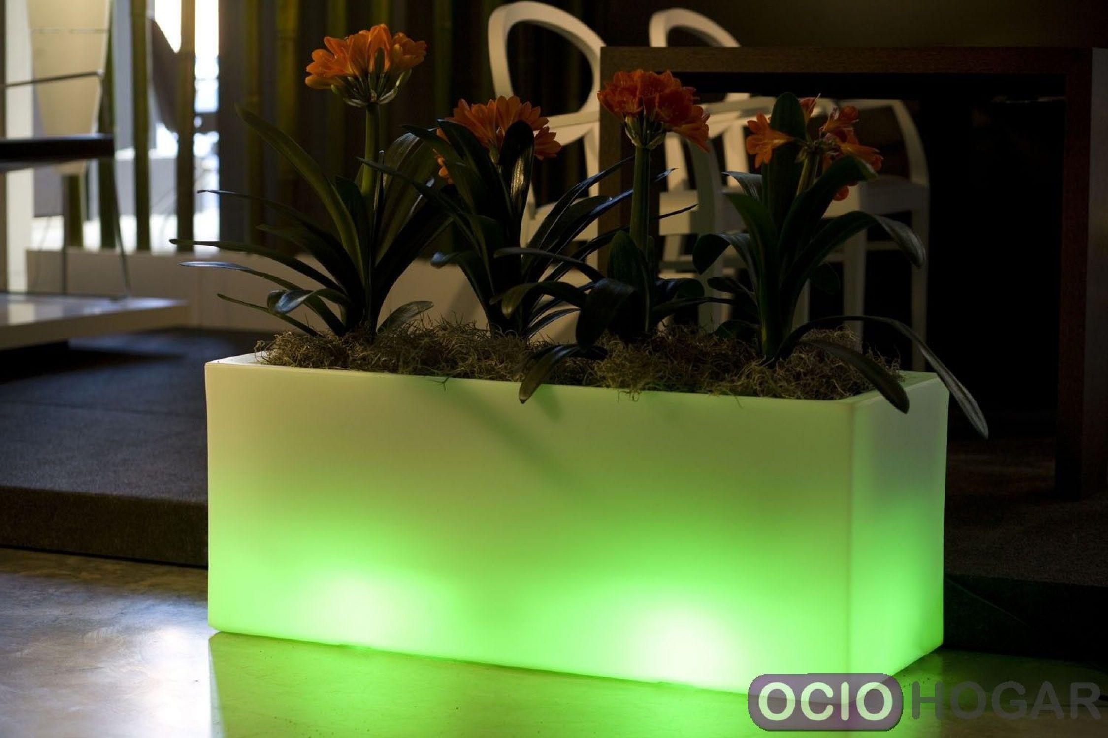 Macetero jardinera con luz de vondom - Macetas con luz baratas ...
