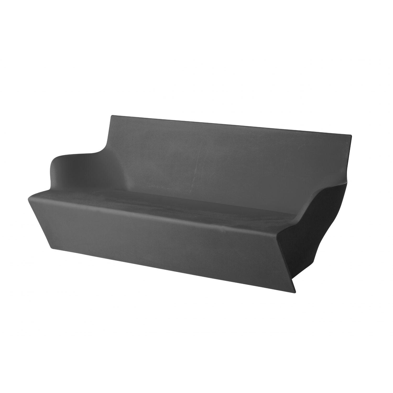 Sof de exterior kami yon slide design for Sofa plastico exterior