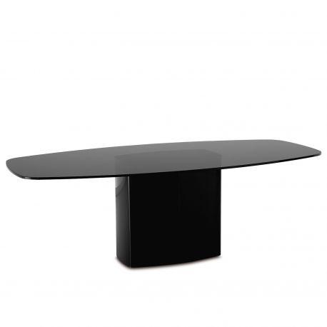 Mesa Aero de Pedrali con base en color negro y sobre en cristal fumé.