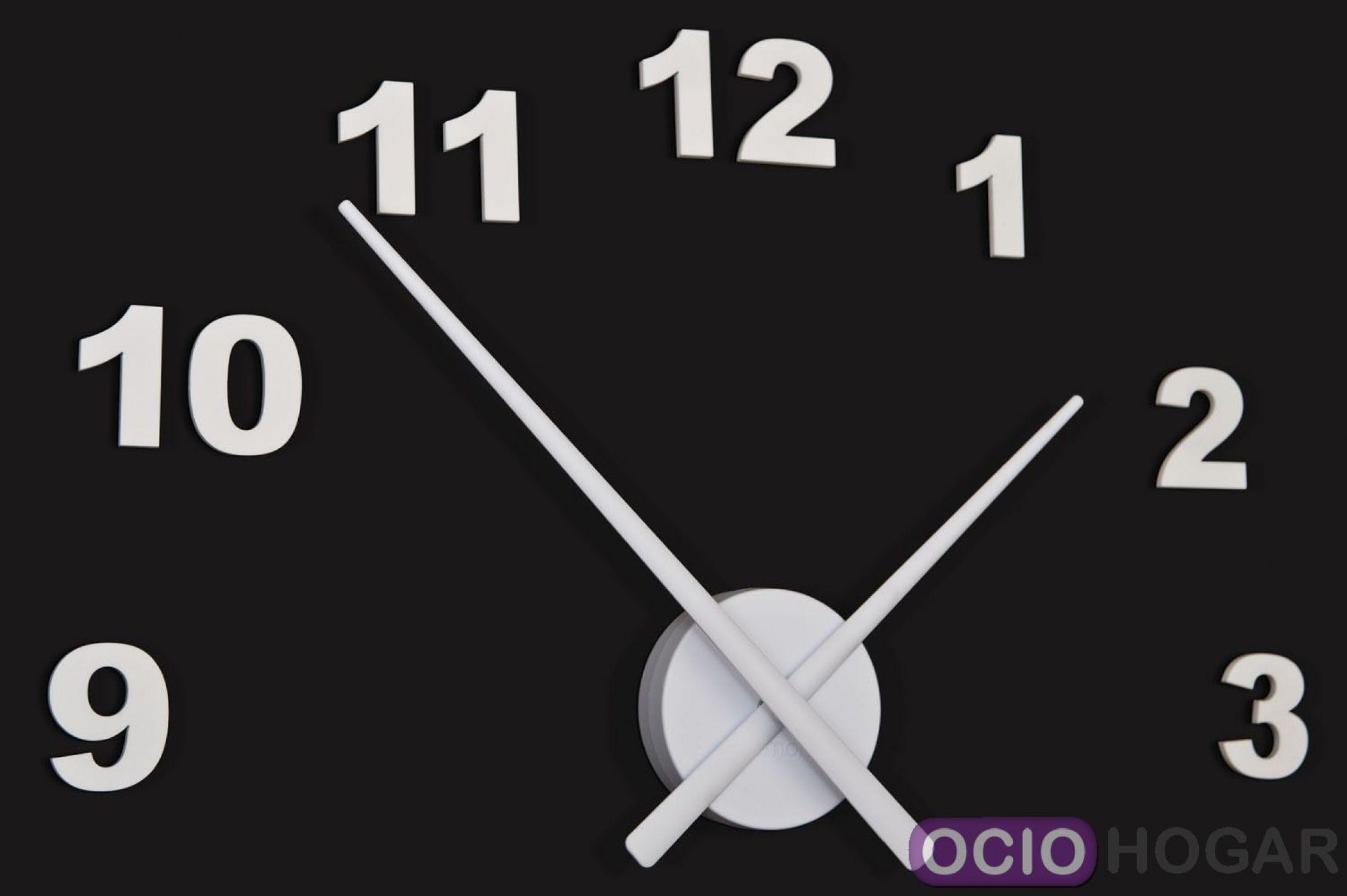 63e94084a0a7 Reloj de pared OJ Números Nomon negro Ver más grande. Previo. Siguiente